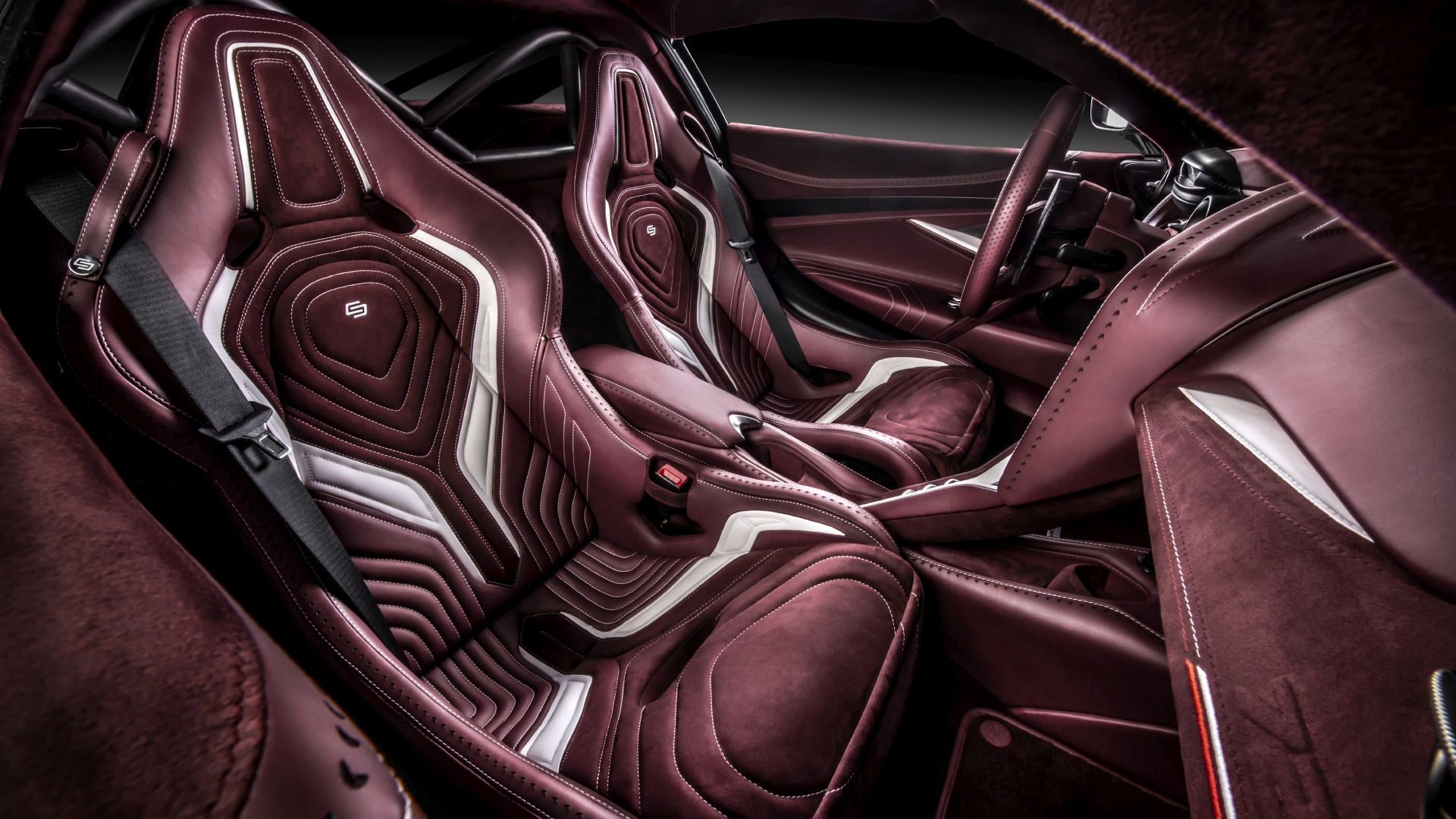 Carlex Design Interior McLaren 720S Racing Green Edition